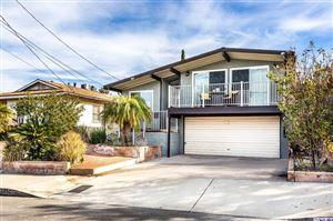 Photo of 11018 LEOLANG AVENUE Avenue, Sunland, CA 91040 (MLS # 319000092)
