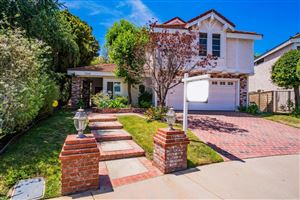 Photo of 30060 TORREPINES Place, Agoura Hills, CA 91301 (MLS # 218009093)