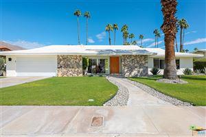 Photo of 1366 East VIA ESTRELLA, Palm Springs, CA 92264 (MLS # 17269070PS)