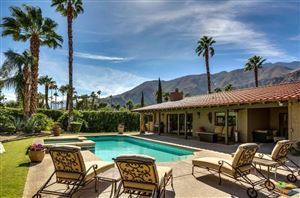 Photo of 418 West CHINO CANYON Road, Palm Springs, CA 92262 (MLS # 17283120PS)