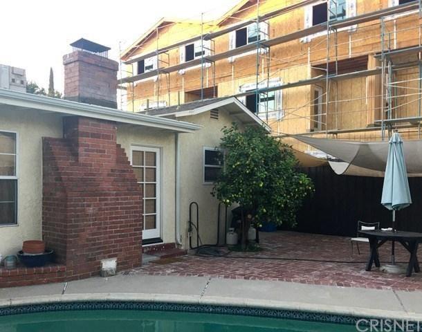 Photo of 5318 WILKINSON Avenue, Valley Village, CA 91607 (MLS # SR19256101)
