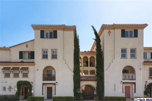 Photo of 626 East WALNUT Street, Pasadena, CA 91101 (MLS # 819005102)