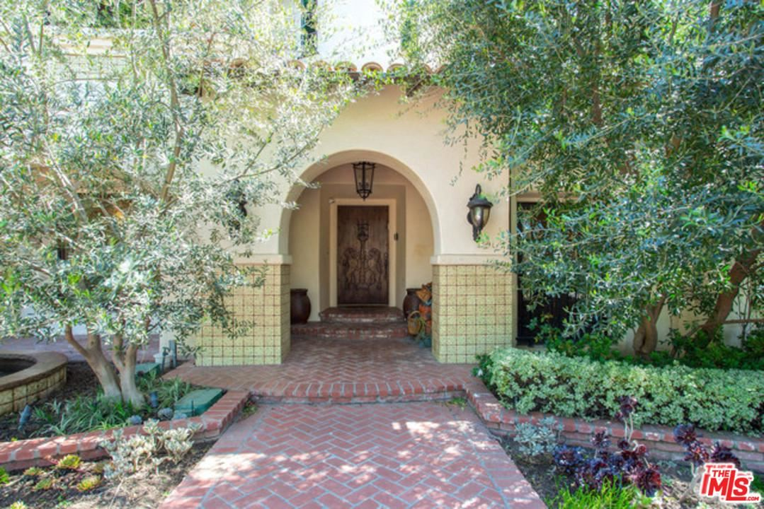 Photo of 516 North ALTA Drive, Beverly Hills, CA 90210 (MLS # 20541102)