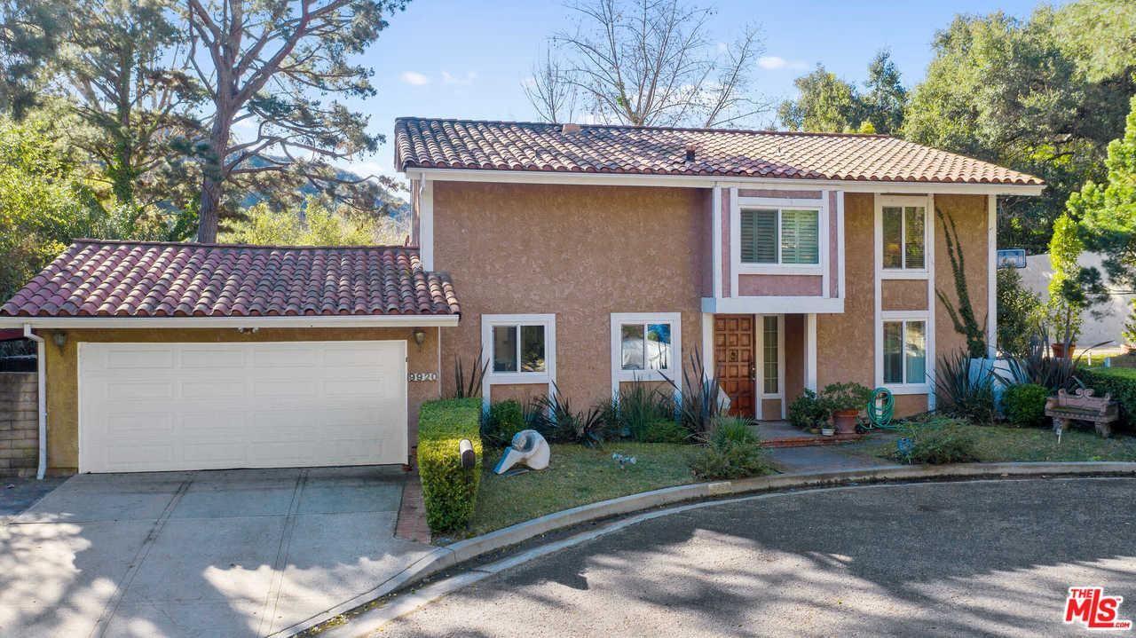 Photo of 9920 LANCER Court, Beverly Hills, CA 90210 (MLS # 20550102)