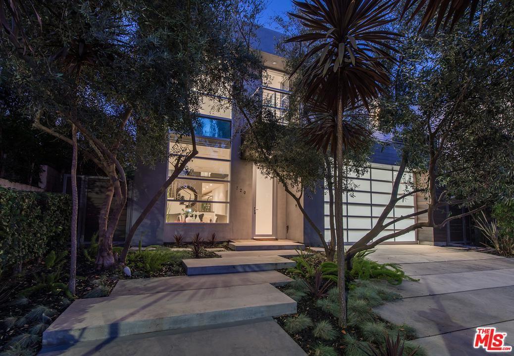 Photo of 720 North MARTEL Avenue, Los Angeles , CA 90046 (MLS # 20552102)