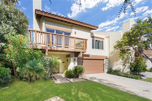 Photo of 621 HOLLYBURNE Lane, Thousand Oaks, CA 91360 (MLS # 220003104)