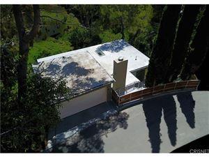 Photo of 6090 RODGERTON Drive, Hollywood Hills, CA 90068 (MLS # SR17057104)
