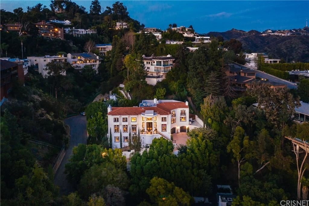 Photo of 1404 DAWNRIDGE Drive, Beverly Hills, CA 90210 (MLS # SR20029105)