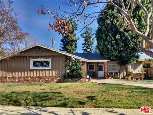 Photo of 5736 LE SAGE Avenue, Woodland Hills, CA 91367 (MLS # 20554108)