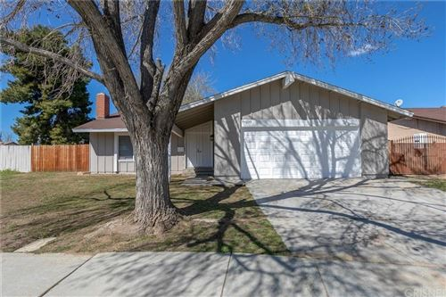 Photo of 44239 WATFORD Avenue, Lancaster, CA 93535 (MLS # SR20065114)