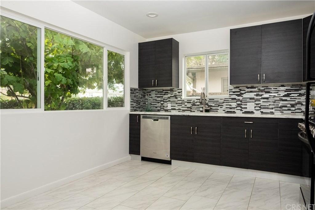 Photo of 5703 KESTER Avenue, Sherman Oaks, CA 91411 (MLS # SR20013114)
