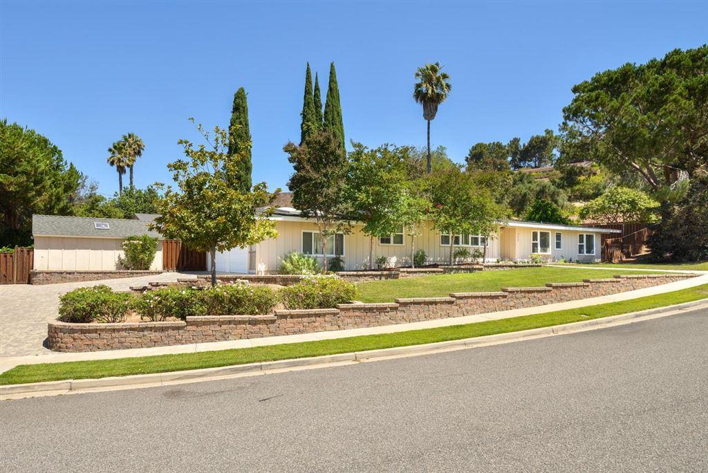 Photo for 717 CALLE MANDARINAS, Thousand Oaks, CA 91360 (MLS # 219010116)