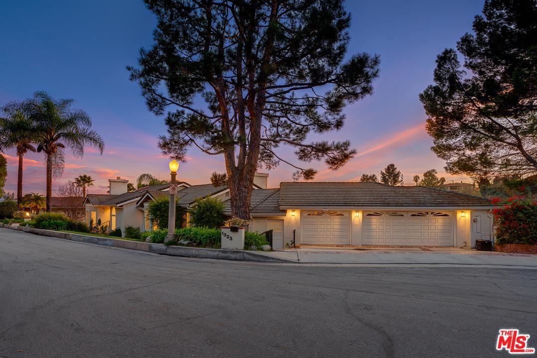 Photo of 1323 MARIANNA Road, Pasadena, CA 91105 (MLS # 20548120)