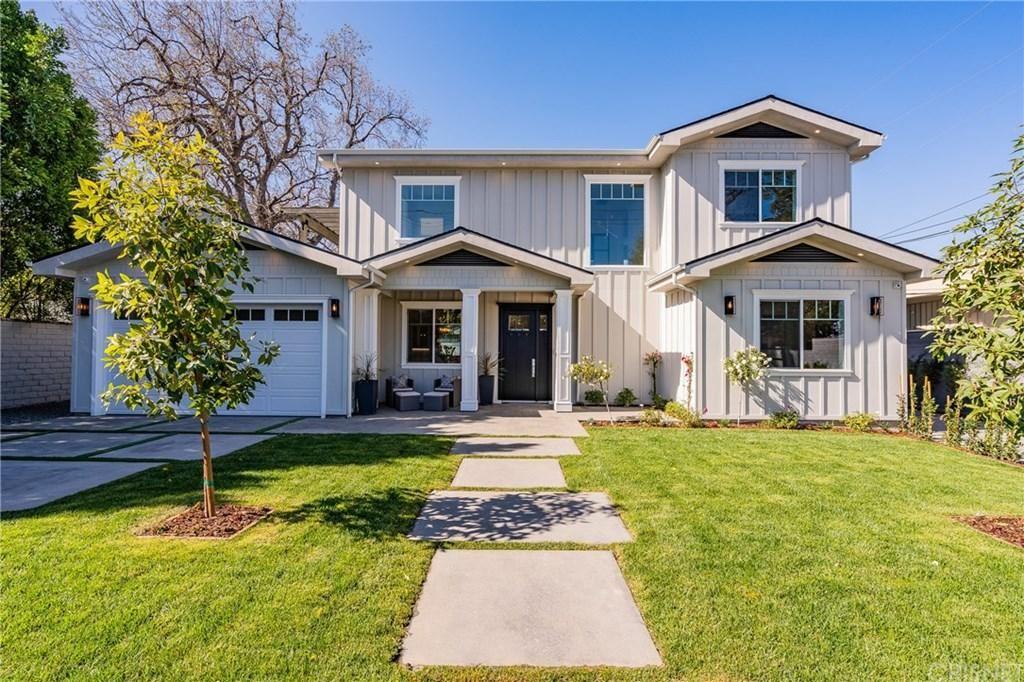Photo of 5537 South VANALDEN Avenue, Tarzana, CA 91356 (MLS # SR20032122)
