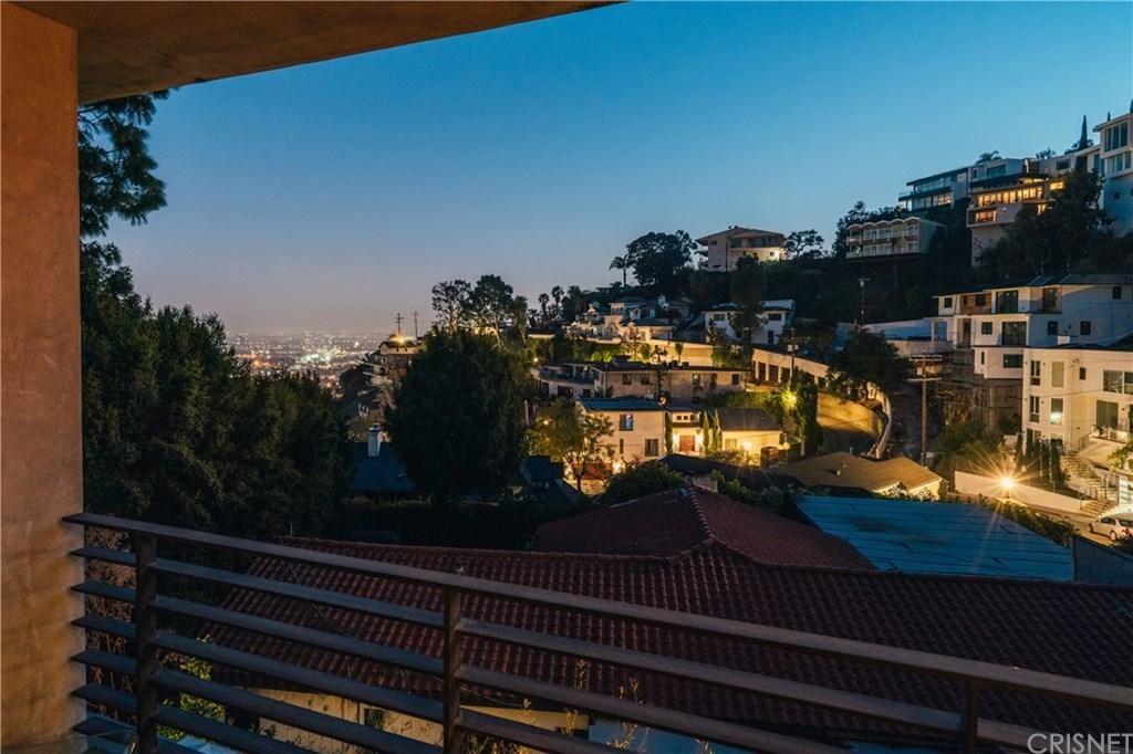 Photo of 1684 North CRESCENT HEIGHTS Boulevard, Los Angeles , CA 90069 (MLS # SR20039128)