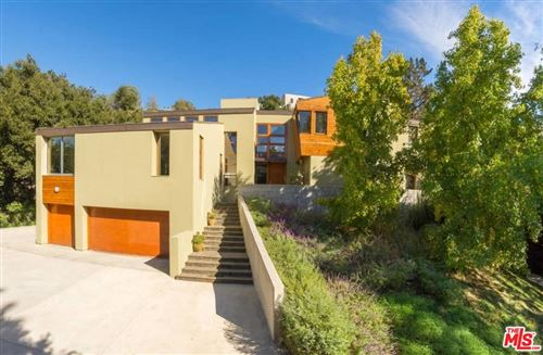 Photo of 2244 MANDEVILLE CANYON Road, Los Angeles , CA 90049 (MLS # 19533130)