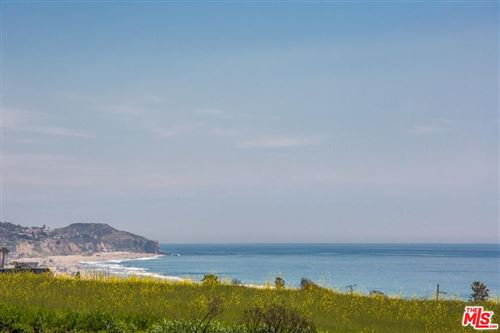 Photo of 6460 LUNITA Road, Malibu, CA 90265 (MLS # 19451138)