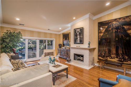 Photo of 2023 ROSEMONT Avenue #2, Pasadena, CA 91103 (MLS # 819005140)