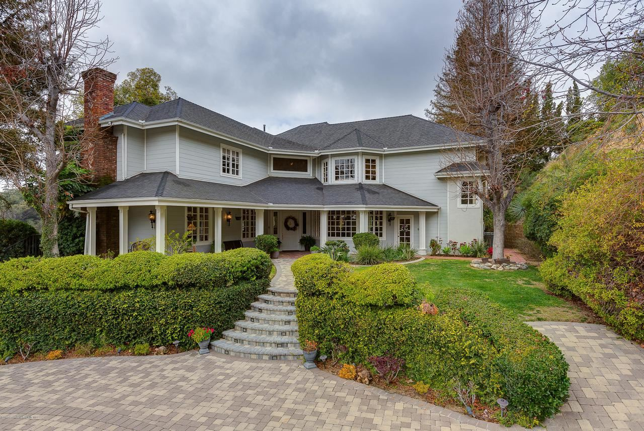 Photo of 427 LONG CANYON Road, Bradbury, CA 91008 (MLS # 820000141)