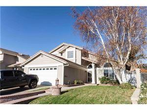 Photo of 22369 CARDIFF Drive, Saugus, CA 91350 (MLS # SR17276147)