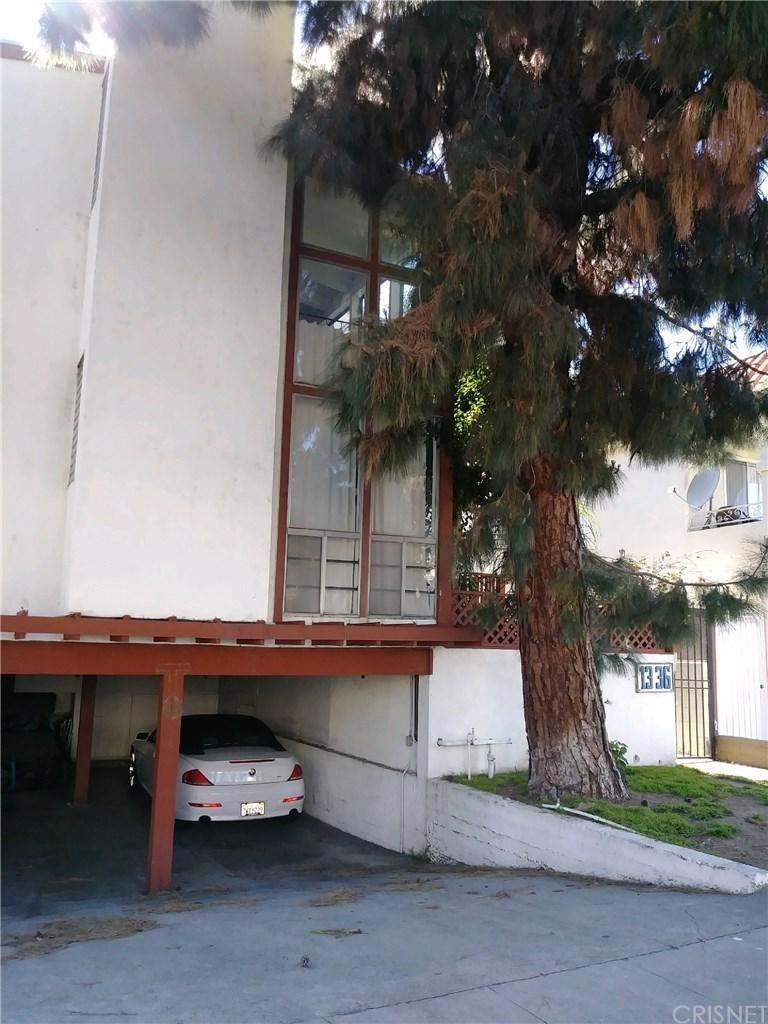 Photo for 1336 YALE Street, Santa Monica, CA 90404 (MLS # SR19193147)
