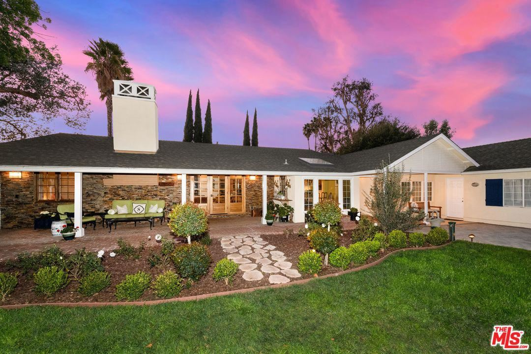 Photo of 5531 MURIETTA Avenue, Sherman Oaks, CA 91401 (MLS # 20556148)