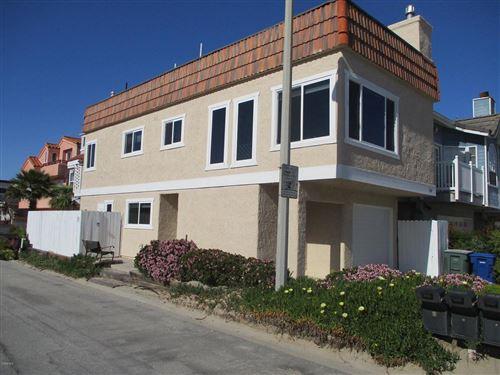 Photo of 101 LA CRESCENTA Street, Oxnard, CA 93035 (MLS # 220003149)
