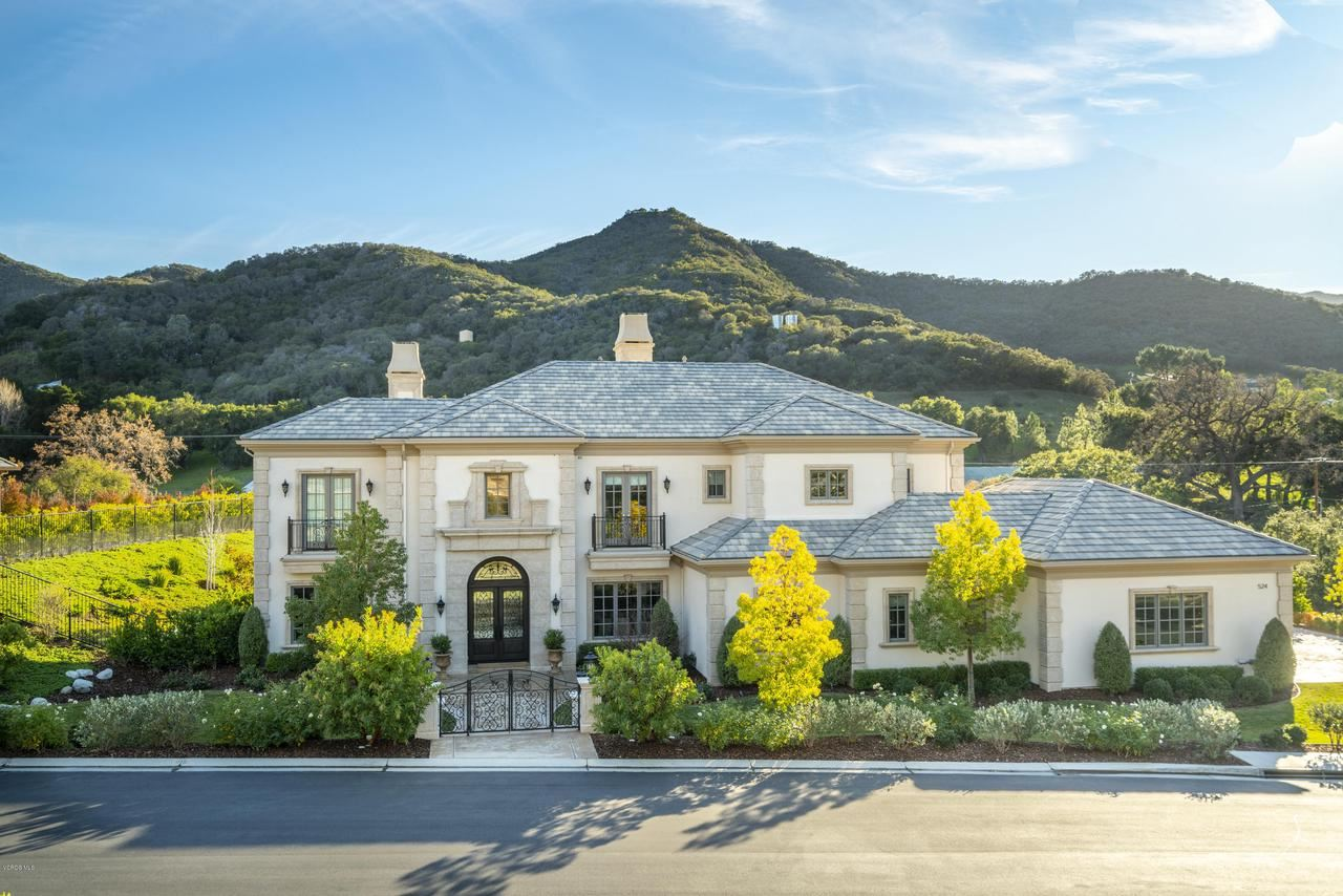 Photo of 524 WILLIAMSBURG Court, Thousand Oaks, CA 91361 (MLS # 220002149)