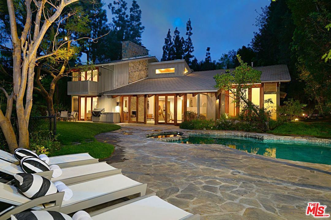 Photo of 1238 BENEDICT CANYON Drive, Beverly Hills, CA 90210 (MLS # 20563152)