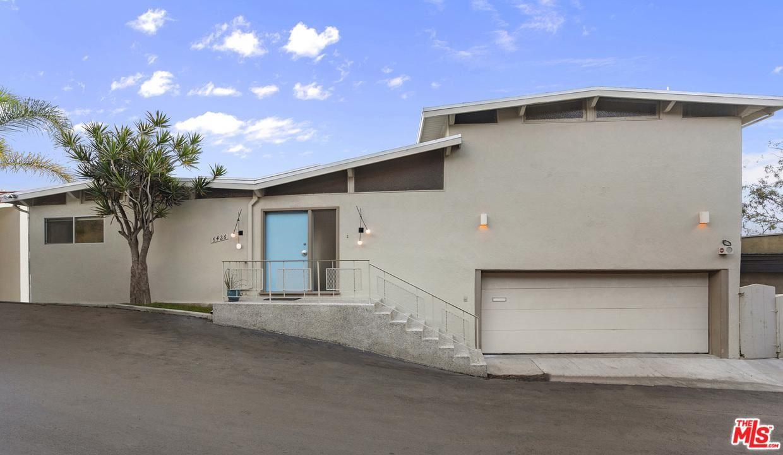 Photo of 6426 QUEBEC Drive, Los Angeles , CA 90068 (MLS # 20541158)