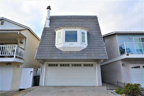 Photo of 300 MELROSE Drive, Oxnard, CA 93035 (MLS # 220003159)