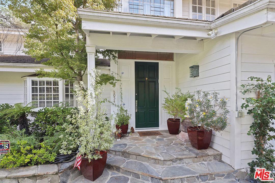 Photo of 2054 SAN YSIDRO Drive, Beverly Hills, CA 90210 (MLS # 20551160)