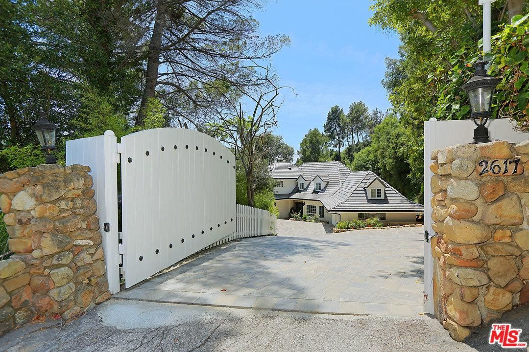 Photo of 2617 DEEP CANYON Drive, Beverly Hills, CA 90210 (MLS # 20550162)