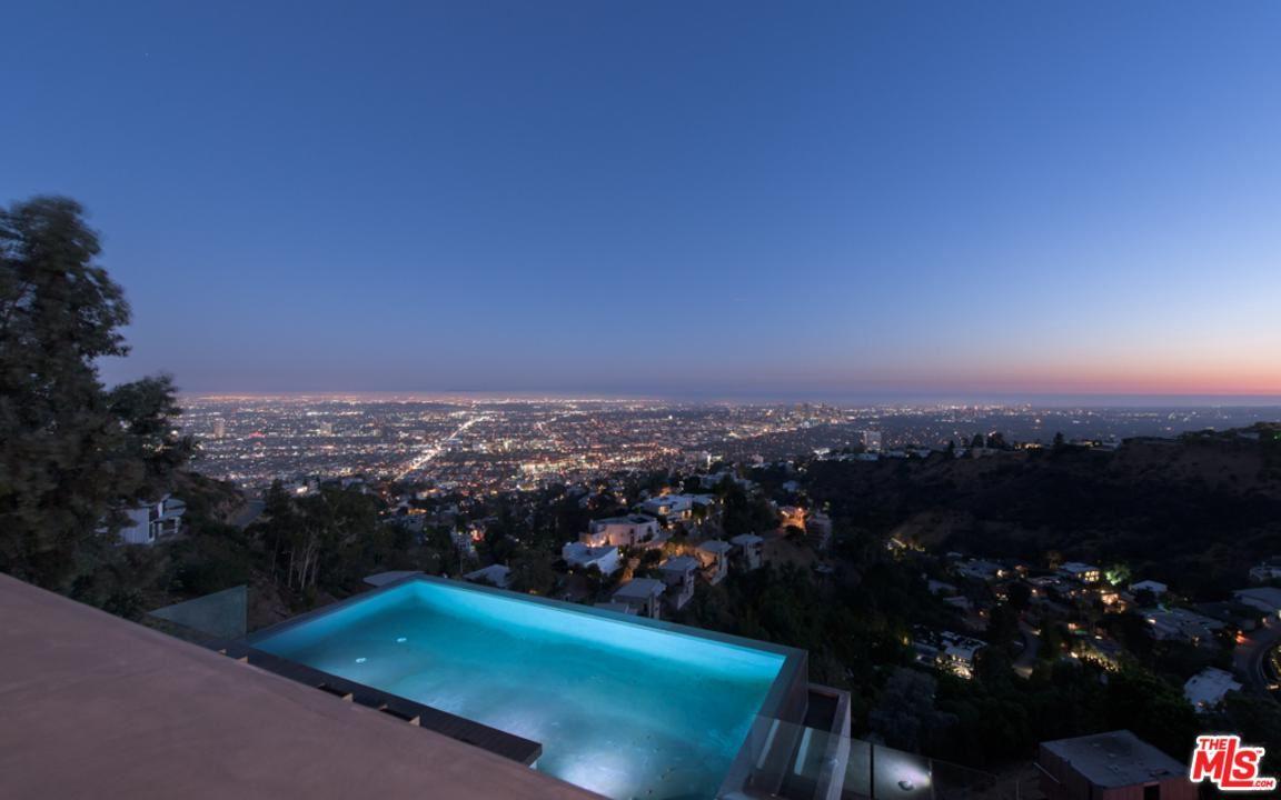 Photo of 8790 APPIAN Way, Los Angeles , CA 90046 (MLS # 20553162)