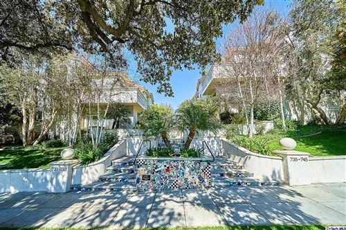 Photo of 743 East OLIVE Avenue, Burbank, CA 91501 (MLS # 320001163)
