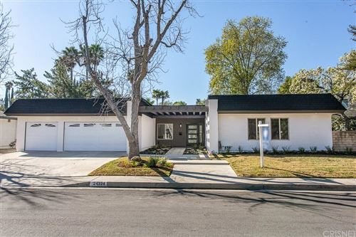 Photo of 24374 CLIPSTONE Street, Woodland Hills, CA 91367 (MLS # SR20027164)