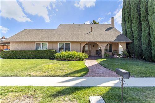 Photo of 264 LARCOM Street, Thousand Oaks, CA 91360 (MLS # 219012169)