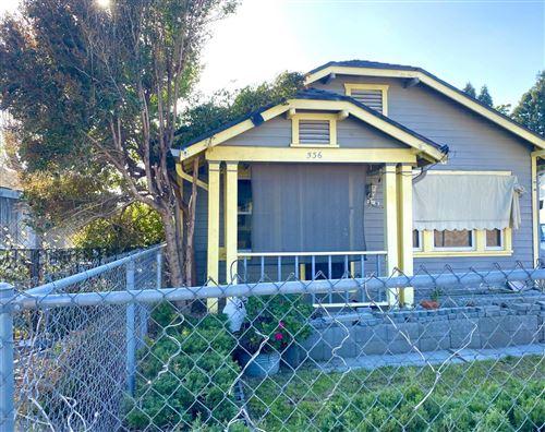 Photo of 536 PARK Street, Santa Paula, CA 93060 (MLS # 220002171)