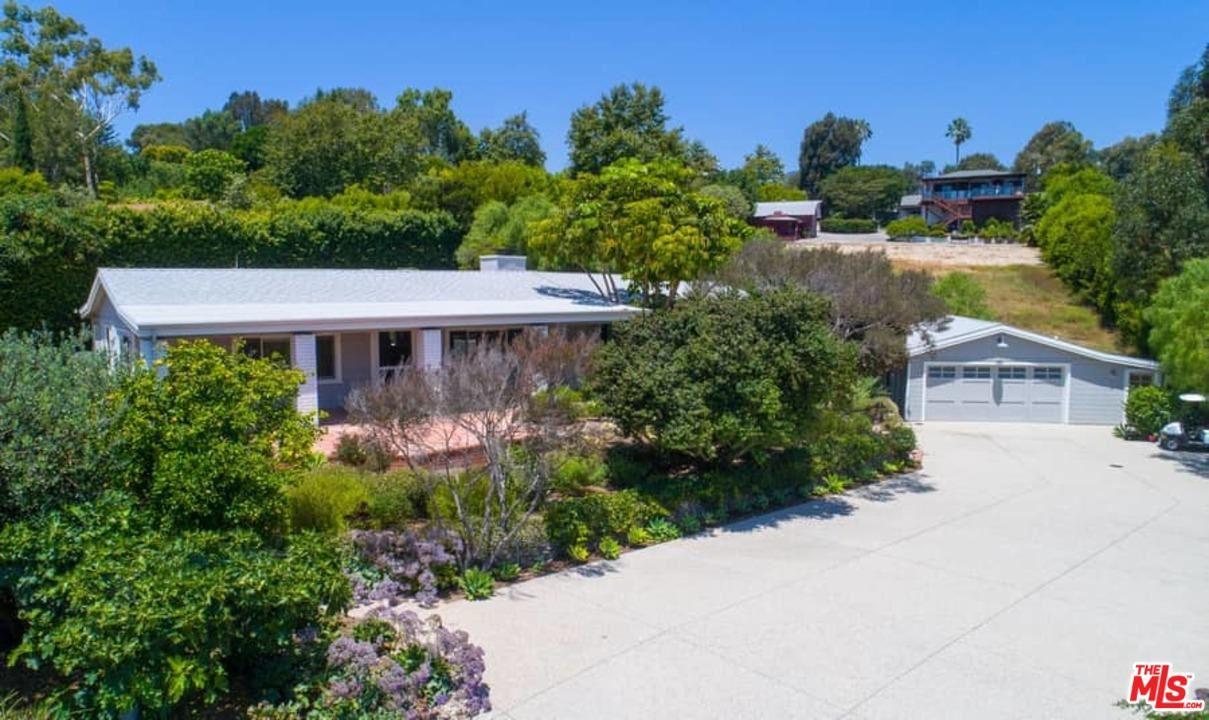 Photo of 28901 BONIFACE Drive, Malibu, CA 90265 (MLS # 20566172)