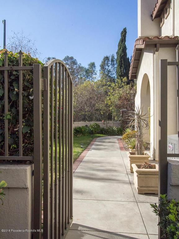 Photo for 1095 ROSEWALK Way, Pasadena, CA 91103 (MLS # 818000172)