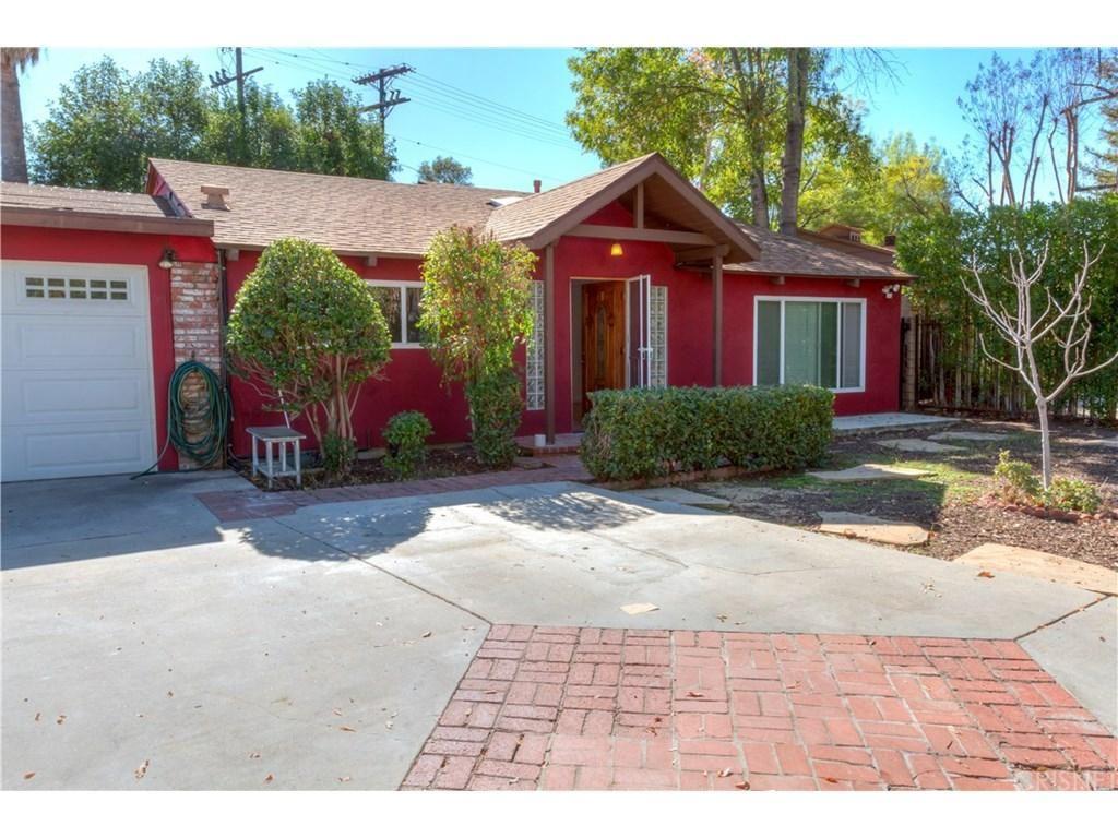 Photo for 22820 LEONORA Drive, Woodland Hills, CA 91367 (MLS # SR18031174)