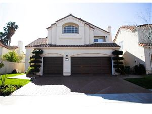 Photo of 23218 RUNNYMEDE Street, West Hills, CA 91307 (MLS # SR18222175)