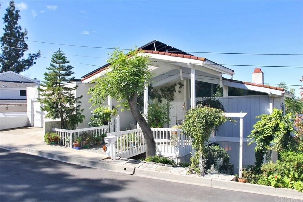 Photo for 4822 ALATAR Drive, Woodland Hills, CA 91364 (MLS # SR20057175)