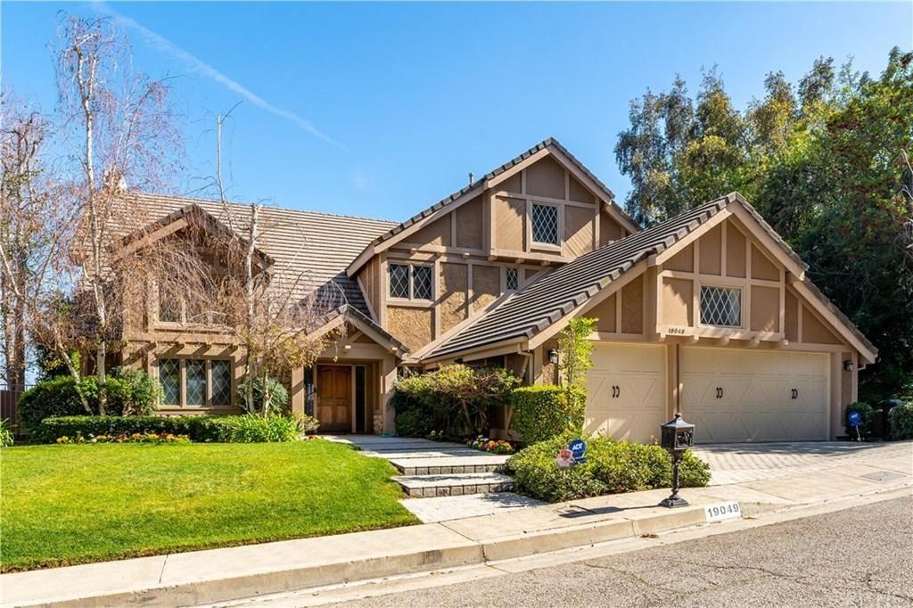 Photo of 19049 DORLON Drive, Tarzana, CA 91356 (MLS # SR20037177)