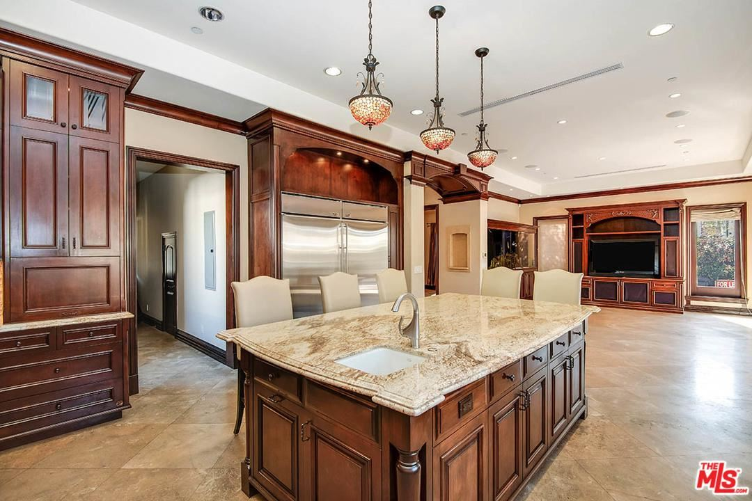Photo of 203 North WETHERLY Drive, Beverly Hills, CA 90211 (MLS # 20549182)