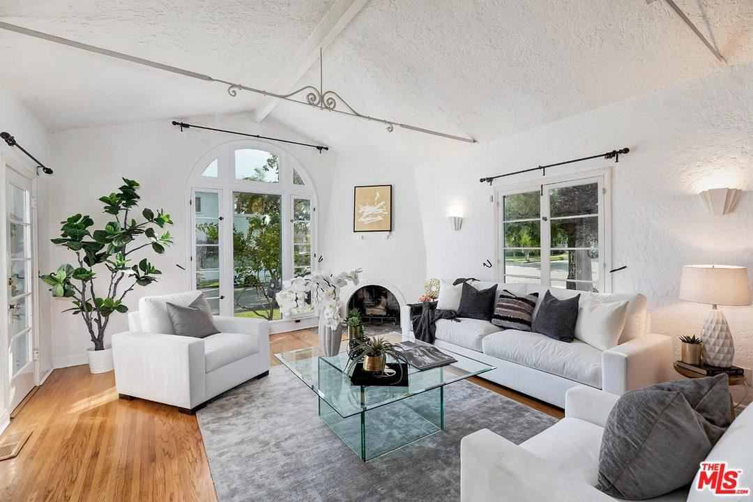 Photo of 272 South SWALL Drive, Beverly Hills, CA 90211 (MLS # 20556182)