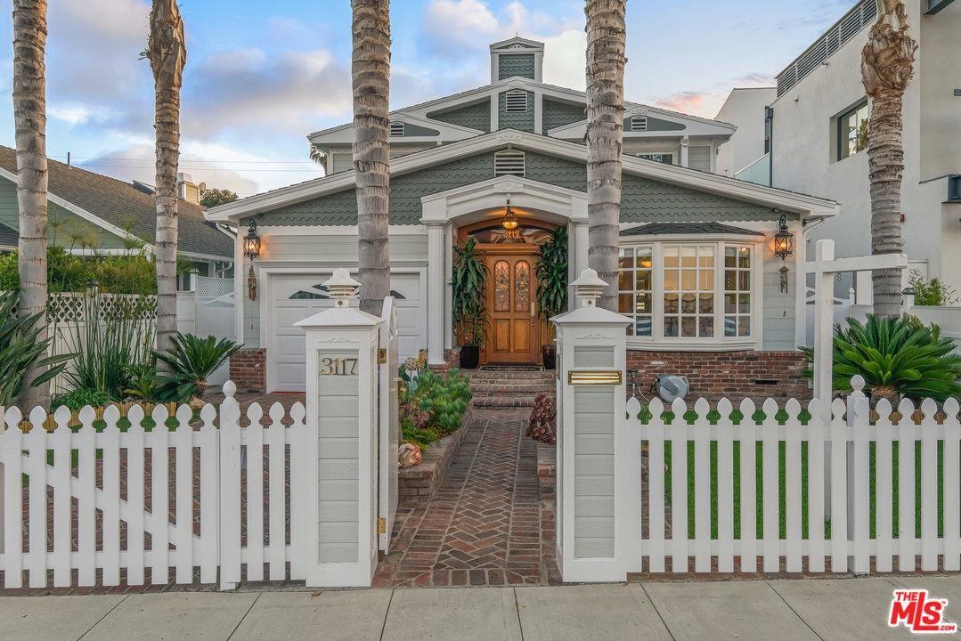 Photo of 3117 YALE Avenue, Venice, CA 90292 (MLS # 20558184)