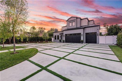 Photo of 5401 DONNA Avenue, Tarzana, CA 91356 (MLS # SR19254186)