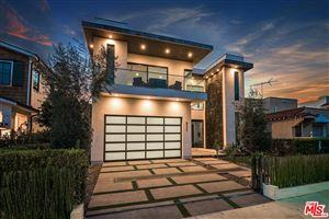 Photo of 823 North CITRUS Avenue, Los Angeles , CA 90038 (MLS # 19428188)