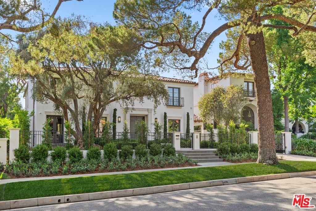 Photo for 613 North SIERRA Drive, Beverly Hills, CA 90210 (MLS # 19491188)